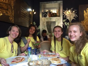 italy-tour-2016-heathers-group-having-lunch-in-verona